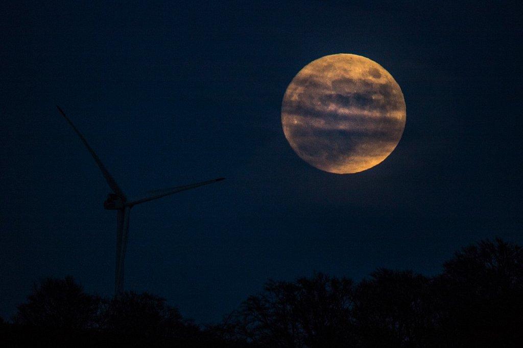 Mondaufgang über dem Hetberg